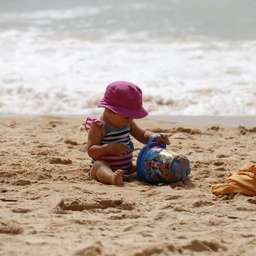 Dr Della Parker_Easy Ways To Protect Your Child's Skin in Warm Weather