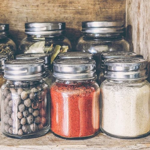 Dr Della Parker_5 Herbs That Keep You Warm In The Winter